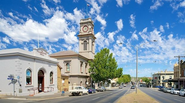 Castlemaine page photo